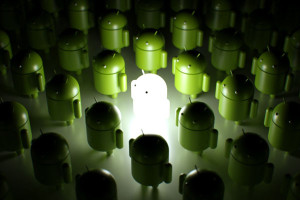 Android-glowing-in-crowd